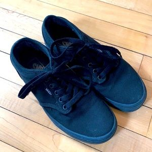 Black Vans in men's size 7. GUC